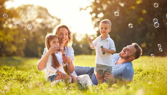 Счастливая Семья: дети и родители