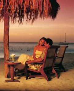 couple_on_honeymoon-829x1024